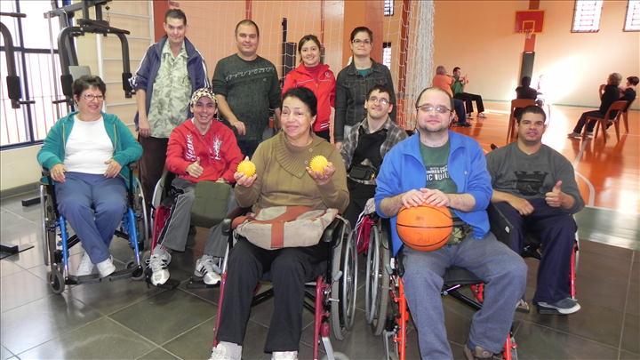 Alunos do Pic em atividade esportivas - bocha e basquete