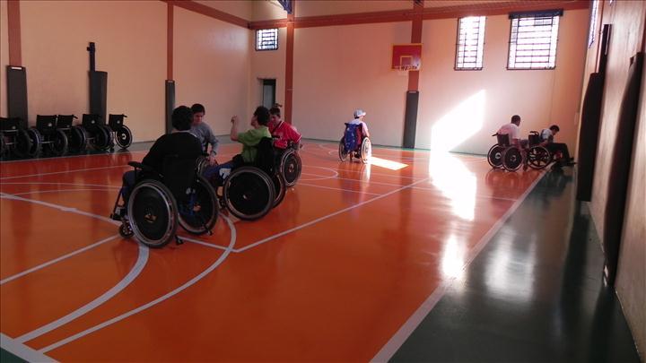 Alunos do Pic em atividade esportiva- basquete